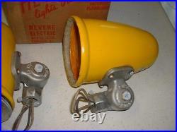1 NOS 1954 SHELL OIL Porcelain Sign Lights Yellow Industrial Gas Station vtg