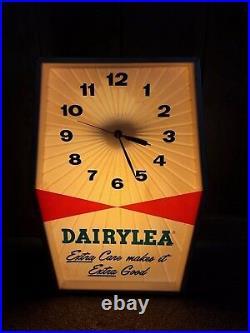 Vintage Dairylea Dairy Milk Cow Farm Advertising Wall Table Top Shelf Clock Sign