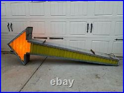 Vintage MARQUEE ARROW Light Up Sign with Sequencer Mancave / Restaurant Decor