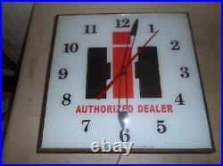Vintage Pam clock INTERNATIONAL HAVERSTER