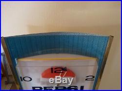 Vintage Rare Pepsi Light-Up Wall Clock 1960's Say Pepsi Please Sign